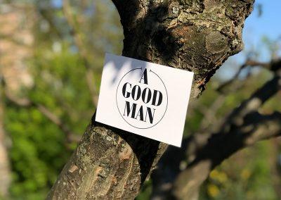 Shop Karte auf dem Baum