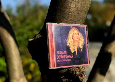 Barbara im Baum
