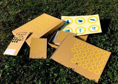 Katalog in einer Box