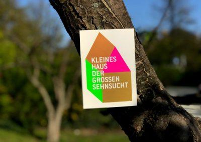 Einladungskarte gedruckt mit vier Sonderfarben (Neon grün und pink, Kupfer und Gold)