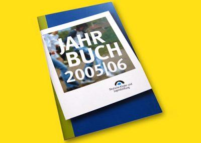 Jahrbuch Cover